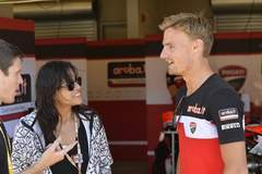 Chaz Davies chats with actress Michelle Rodriguez