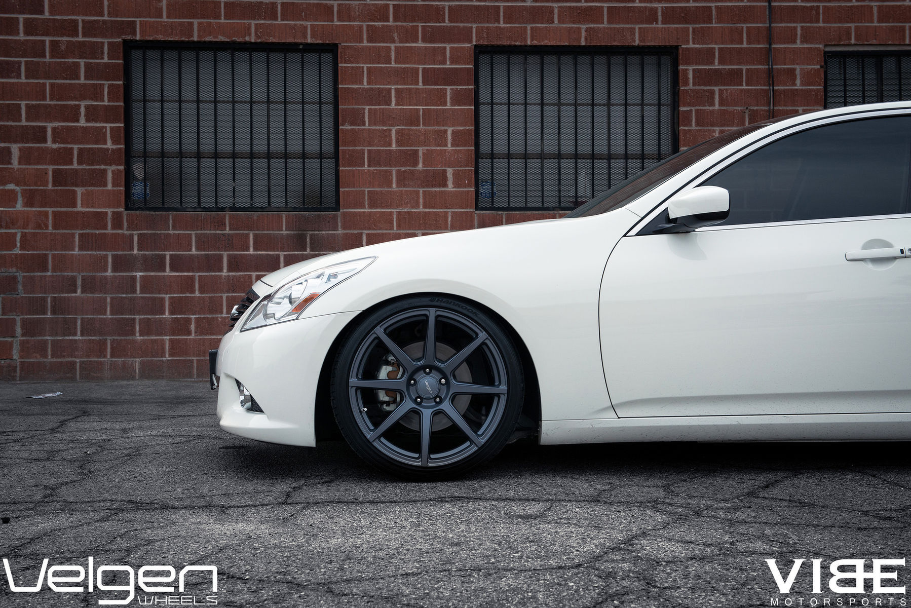 2009 Infiniti G37 Sedan | Infiniti G37 on Velgen VMB8 Wheels - Front Left Wheel