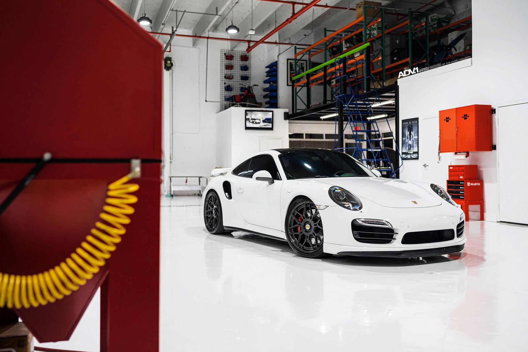 2016 Porsche 911   Porsche 991 Turbo - ADV10.0 M.V2 CS