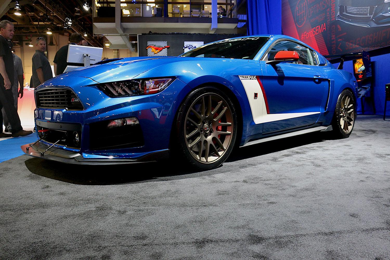 2015 Ford Mustang | 2015 Roush RS3 TrakPak Mustang