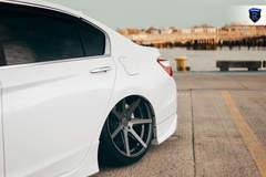 Honda Accord V6 Touring - Wheel Gap