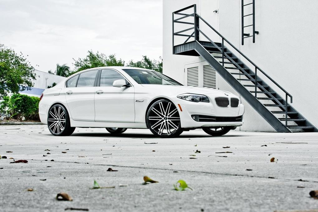 2012 BMW 5 Series   BMW 528i on Ruff Racing R955's