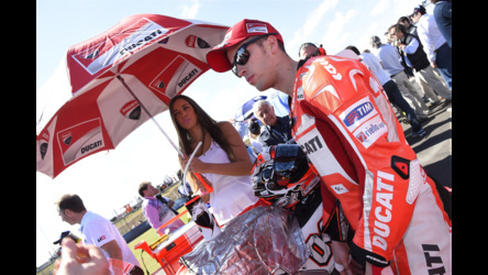 2014 Ducati  | MotoGP Round 3 - Argentina - Dovi on the grid