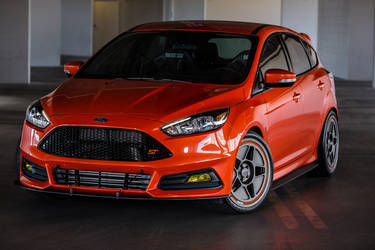 2015 Ford Focus ST | 2015 CJ Post Parts Ford Focus ST