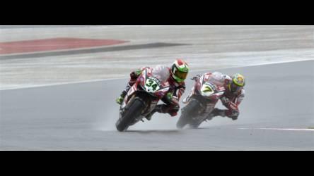 2014 Ducati 1199 PANIGALE | Davide Giugliano and Chaz Davies