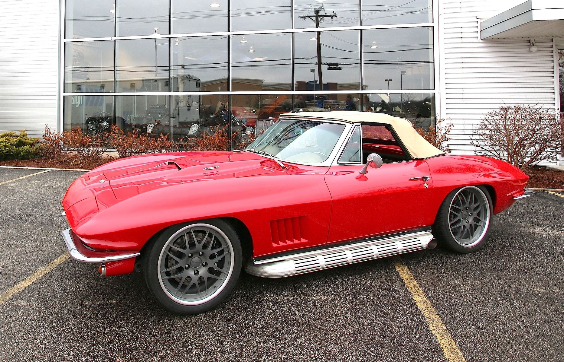 1967 Chevrolet Corvette | Jame's 1967 Corvette Convertible on Forgeline DE3P Wheels