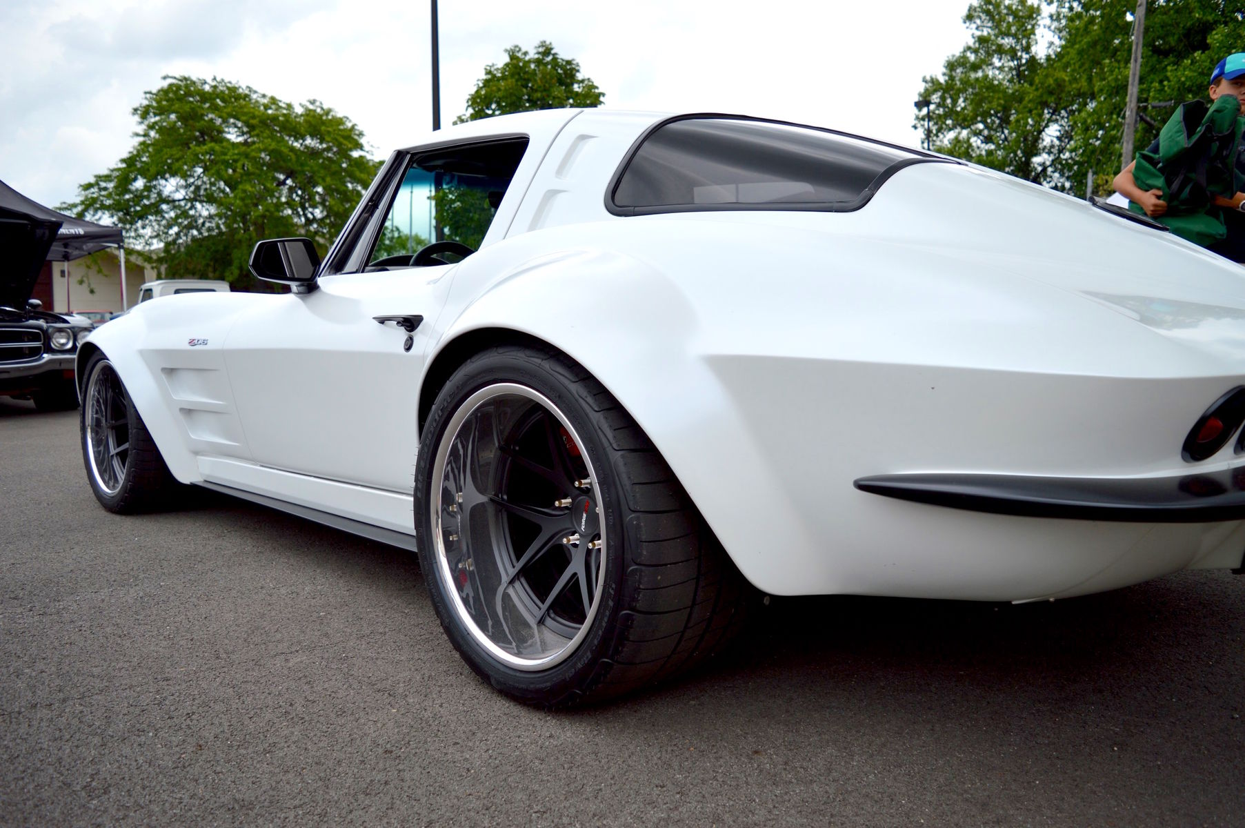 1963 Chevrolet Corvette Stingray | Ron Scott's 1963 Corvette Stingray on Forgeline VX3C Concave Wheels
