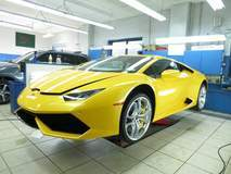 Lamborghini Huracan with XPEL ULTIMATE self-healing clear bra