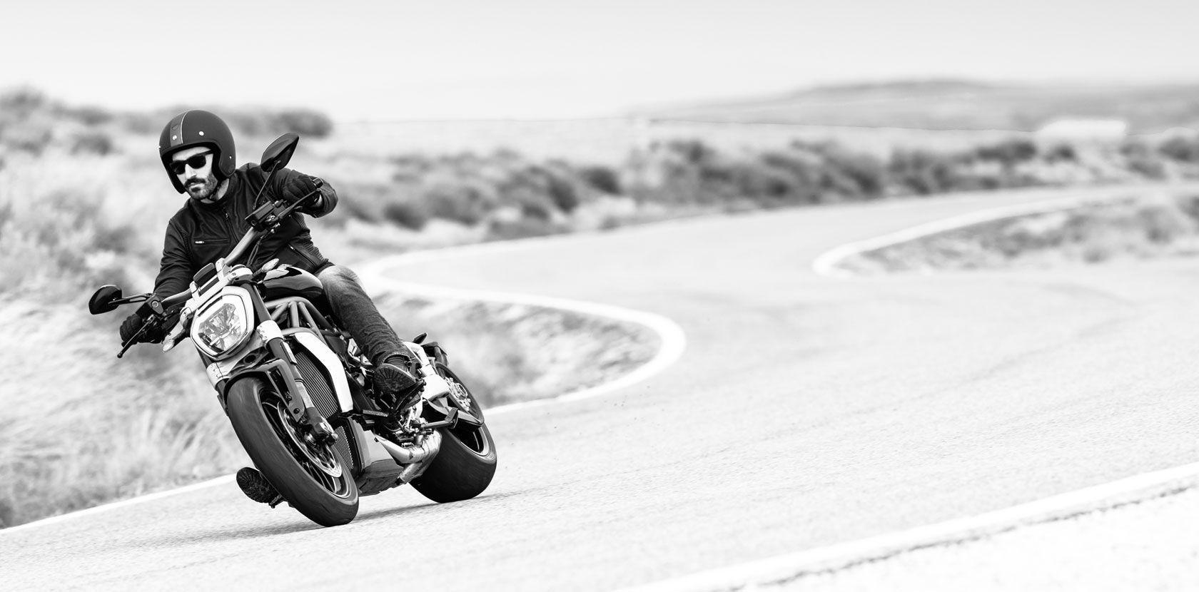 2016 Ducati XDiavel S | XDiavel - Turning