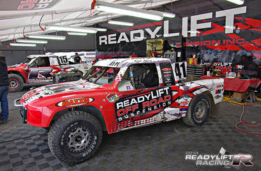 Team ReadyLIFT in Lake Elsinore Pits for LOORRS