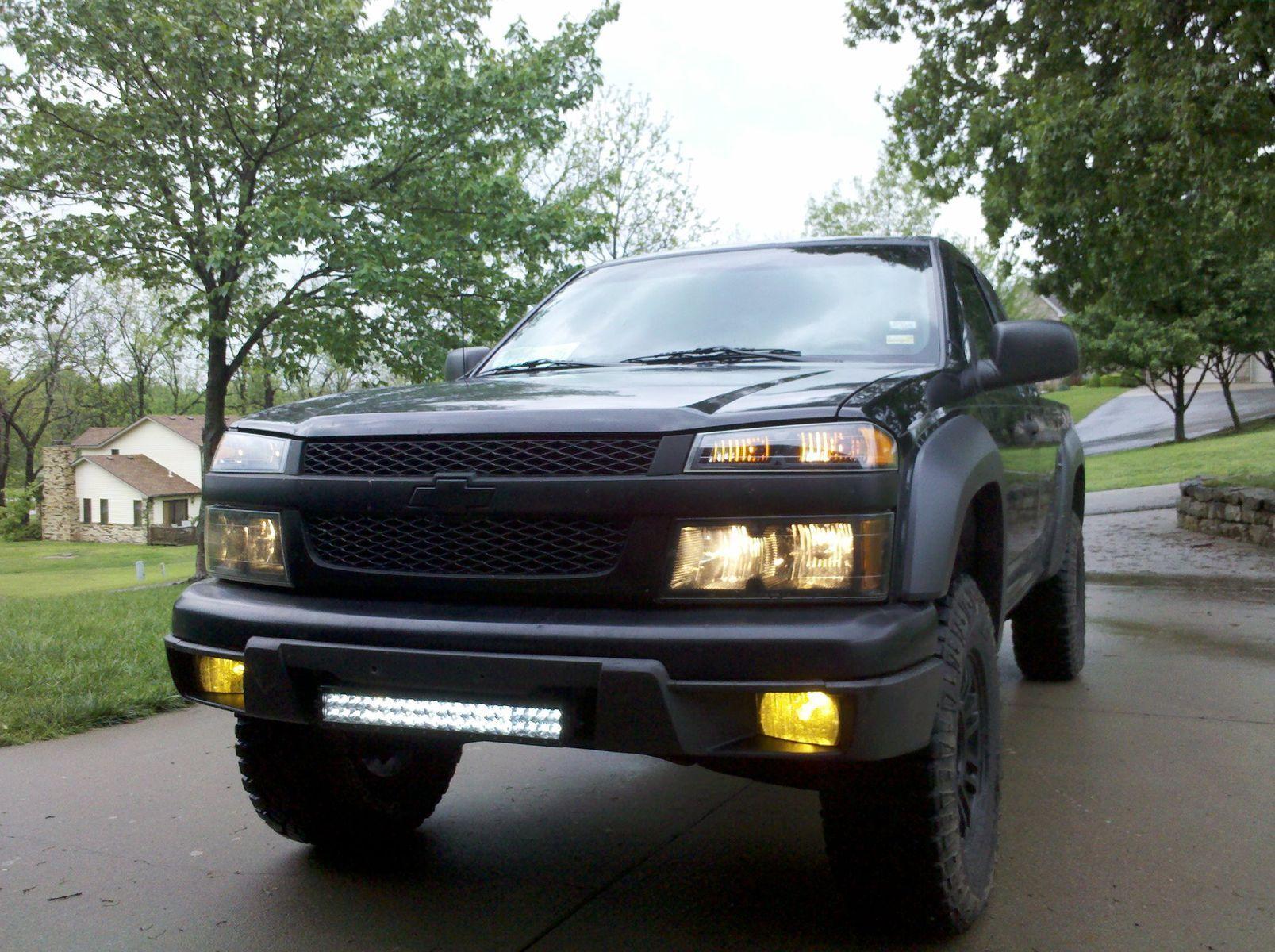 Chevrolet Colorado | Blacked Out Chevrolet Colorado