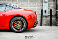 "Ferrari California on 20"" Ferrada F8 FR5 Wheels - Red On Bronze"