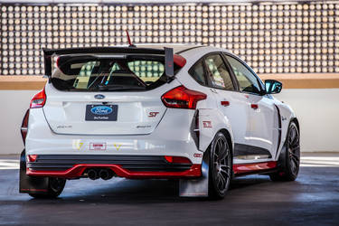 2015 Ford Focus ST | 2015 Rally Innovations Ford Focus ST - Rear Shot