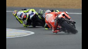 2013 MotoGP - LeMans - Hayden chasing Crutchlow and Rossi