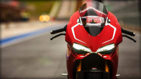 Ducati 1199 Panigale R - Front