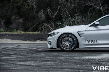 2016 BMW M4 | BMW M4 on the RSR R801 wheels - Driver Side Front Wheel