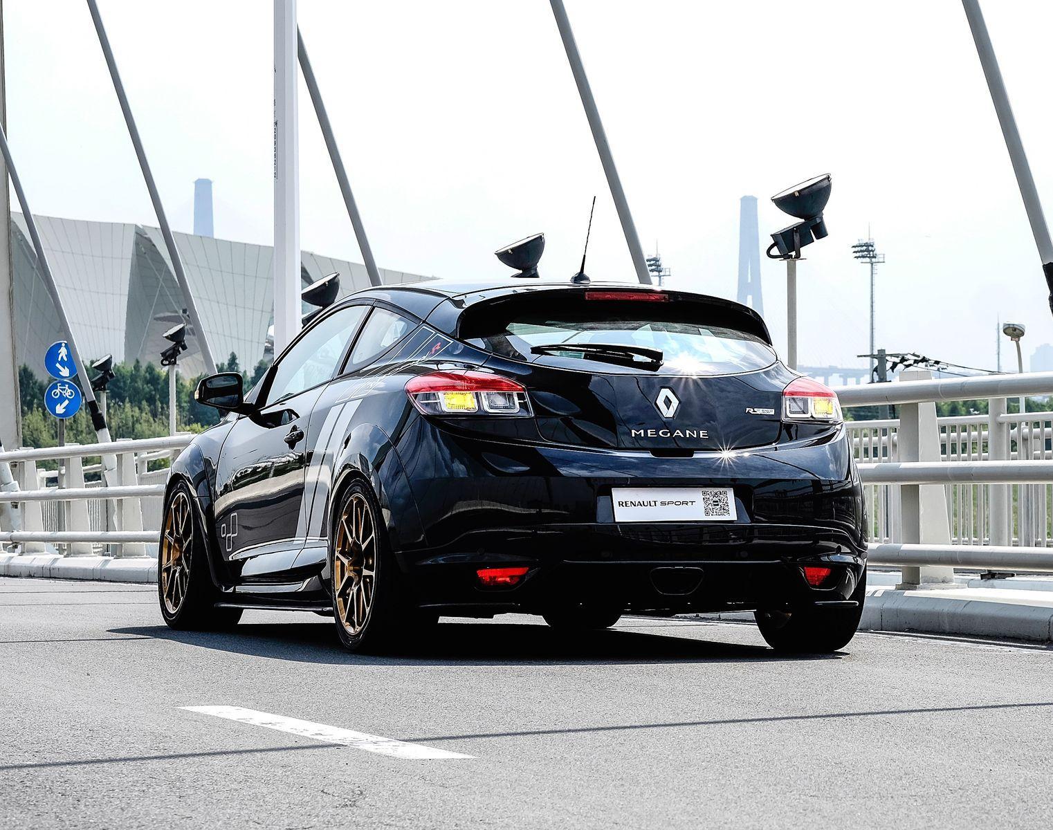 2015 Renault Megane | Renault Megane RS Trophy R on Forgeline GS1R Wheels