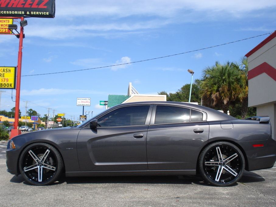 2011 Dodge Charger | Dodge Charger on Ruff R359's - Side Profile Shot
