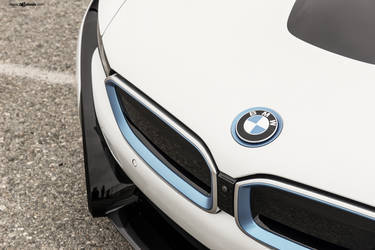 "2016 BMW i8 | BMW i8 on 22"" Avant Garde's - Emblem Shot And Accents"