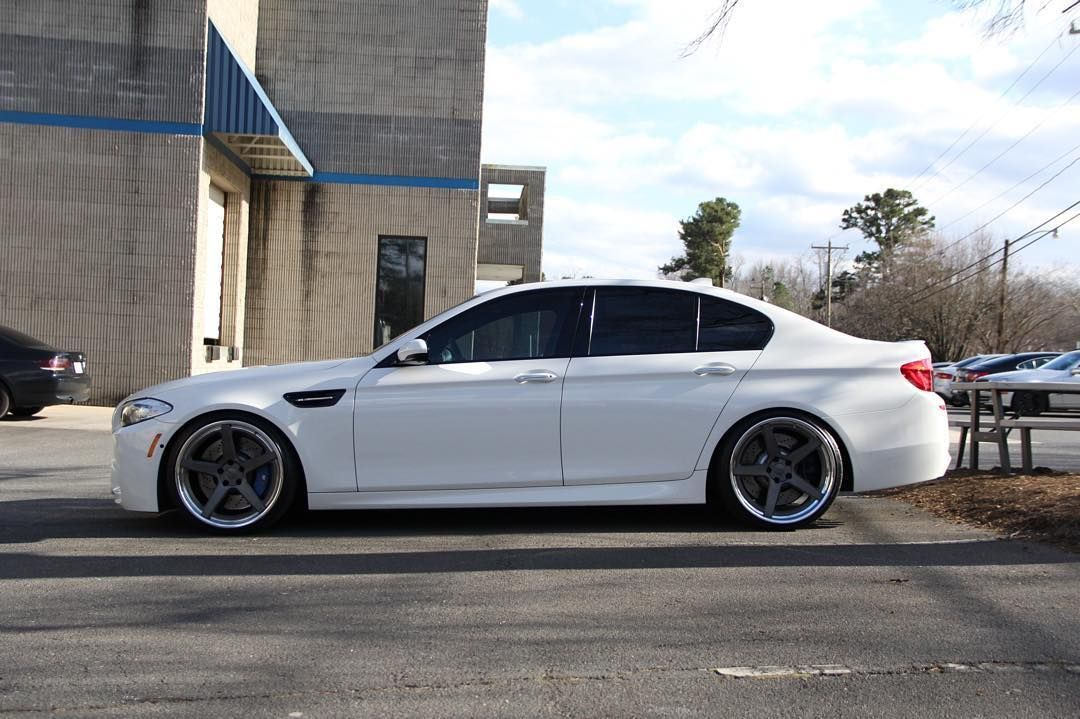 2011 BMW M5 | Alan's BMW F10 M5 on Forgeline CF3C-SL Concave Stepped Lip Wheels