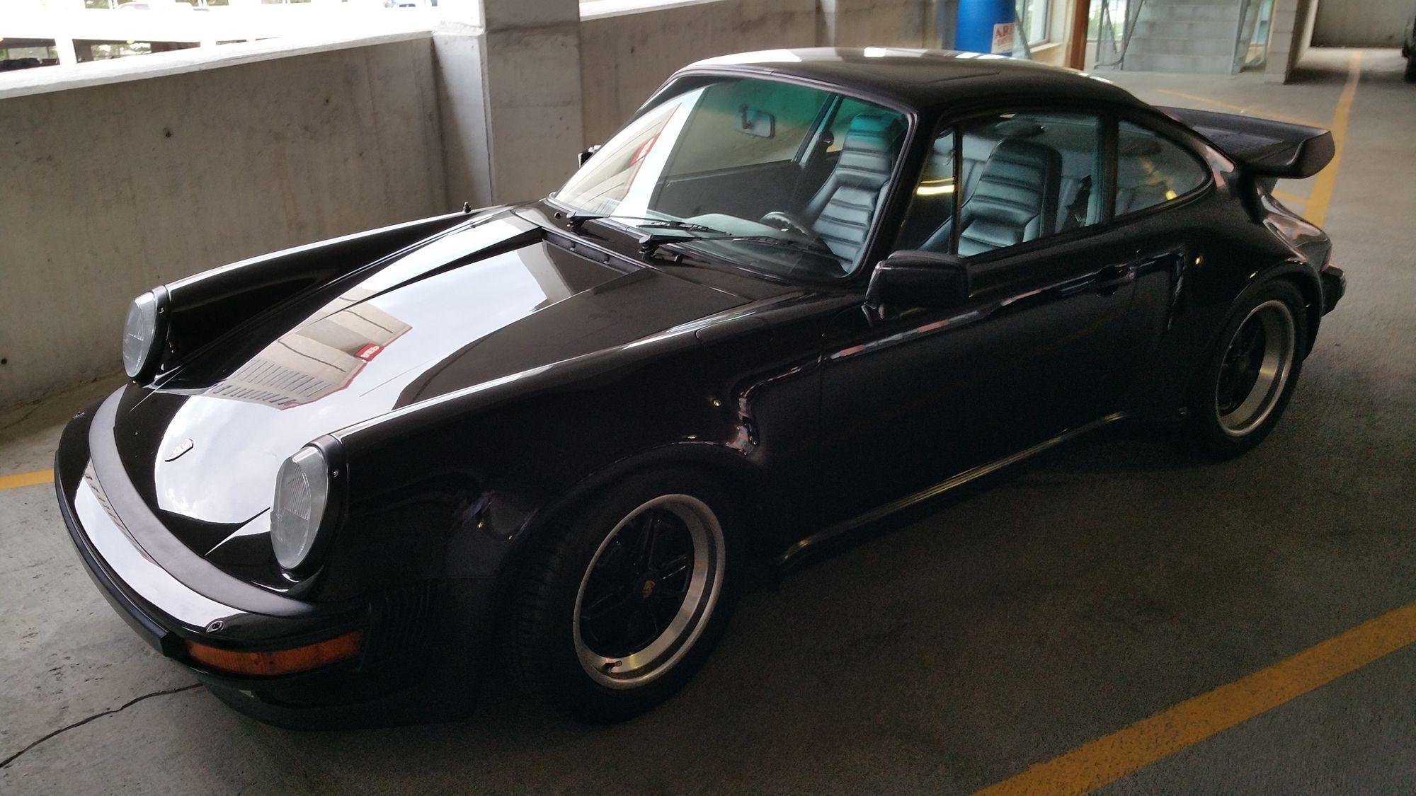 Porsche 911 | Triple black 911