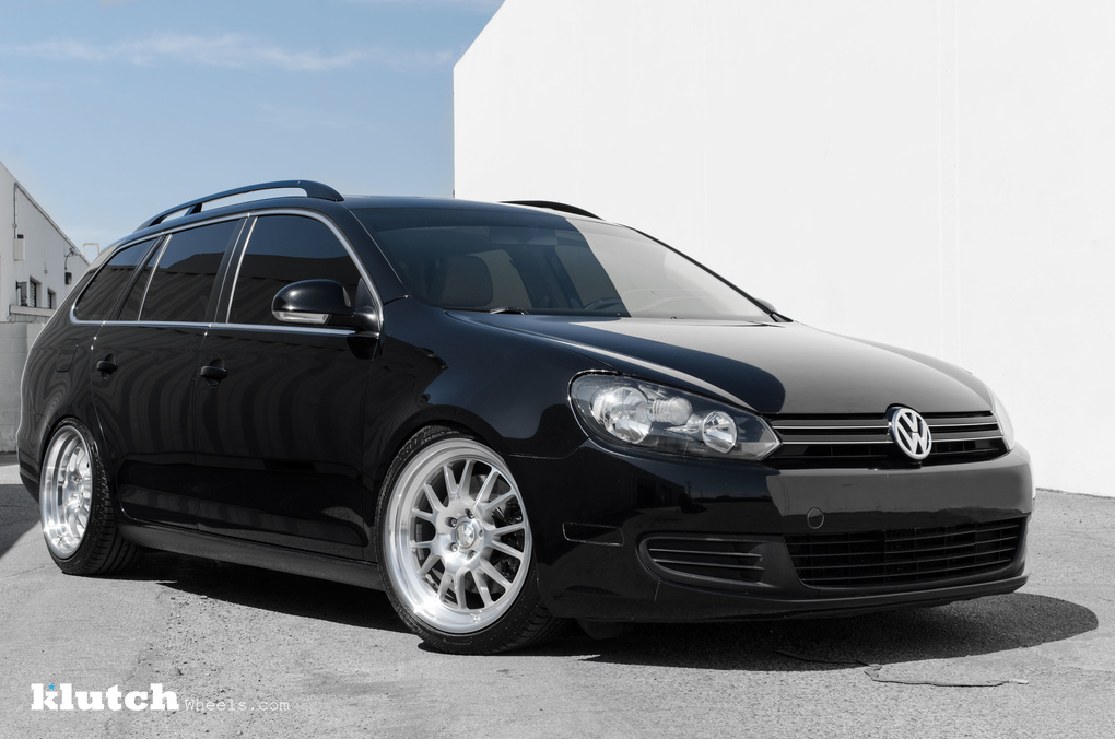 2010 Volkswagen Jetta | '10 VW Jetta Wagon on Klutch SL14's