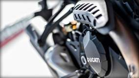 Monster 1200 R - Ducati Detail
