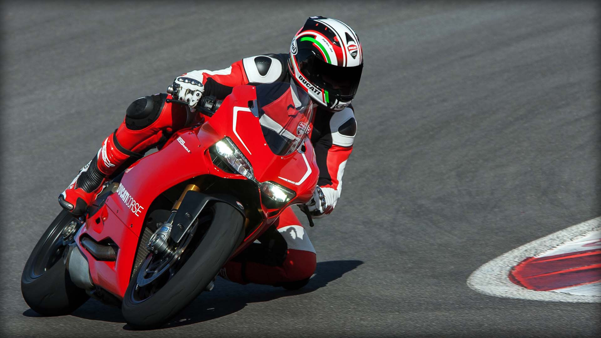 2014 Ducati  | Ducati 1199 Panigale R - Leading The Way