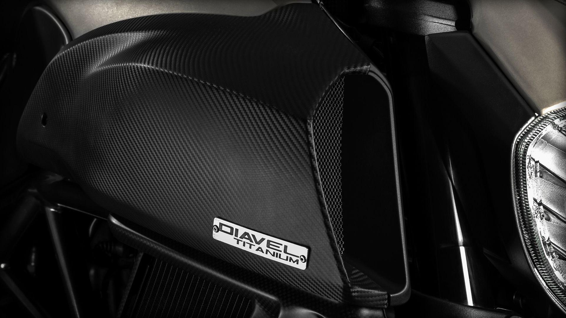 2015 Ducati Diavel Titanium | Diavel Titanium - Ducati Details