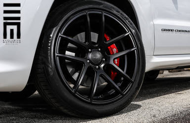 2015 Jeep Grand Cherokee | Jeep Cherokee SRT8 on Velgen Wheels VMB5 - Close Up