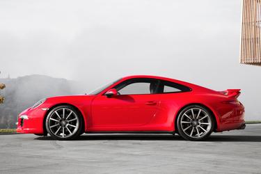 '14 Porsche 911 Carrera 4 Coupe