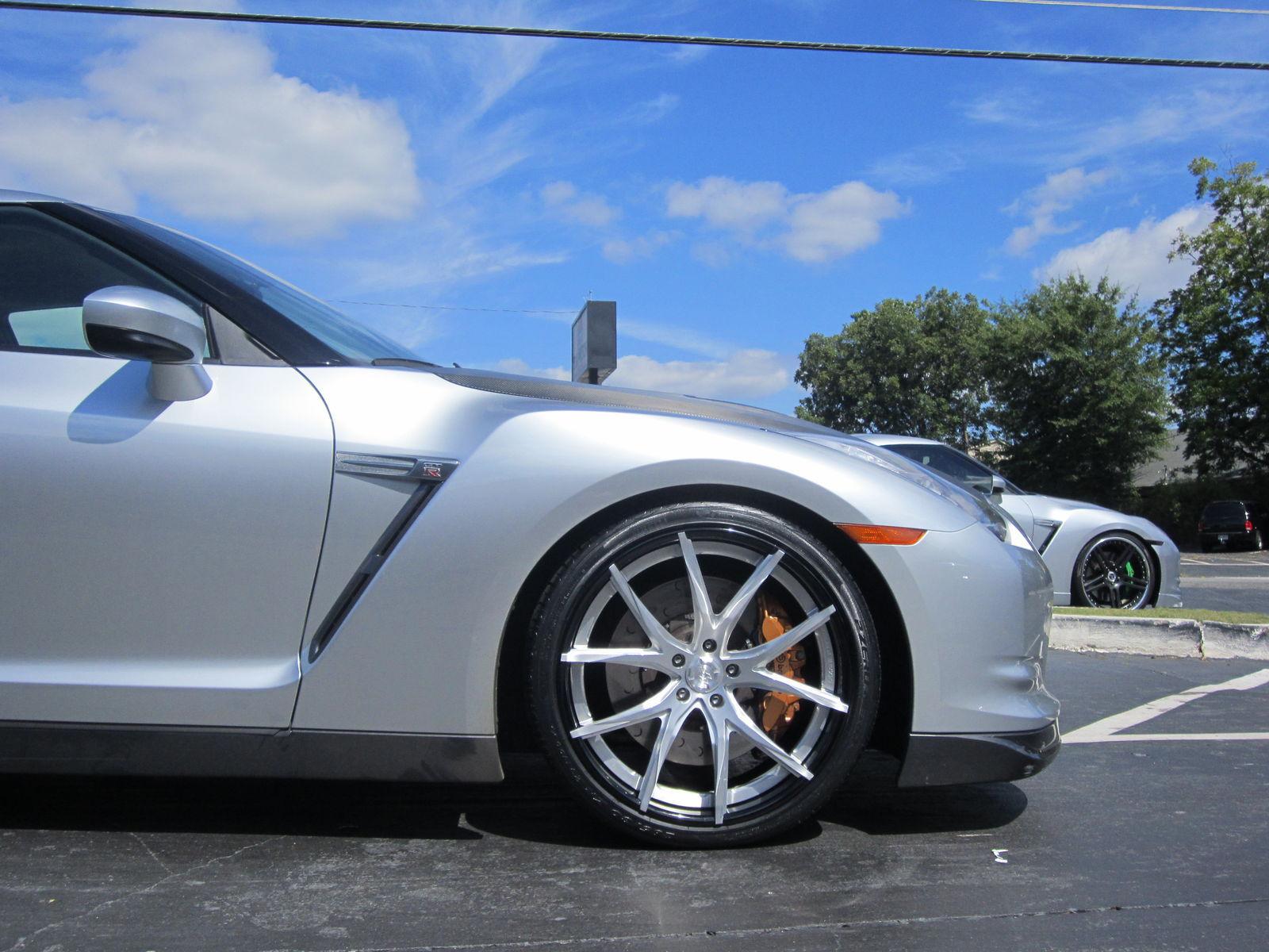 2013 Nissan GT-R | Nissan GTR on Lexani LZ-102's