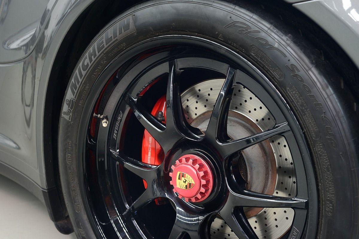 2016 Porsche 997 | Porsche 997.2 Turbo on Forgeline Fluch-Loc Conversion and Center Locking GA3R Wheels