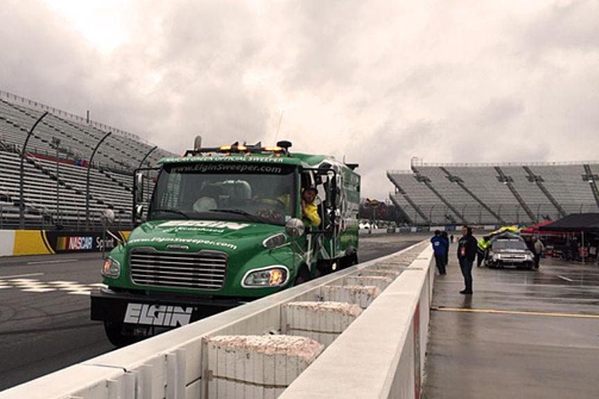 2013 Chevrolet Silverado 1500 | Kroger 250- Martinsville Speedway Rain Delay