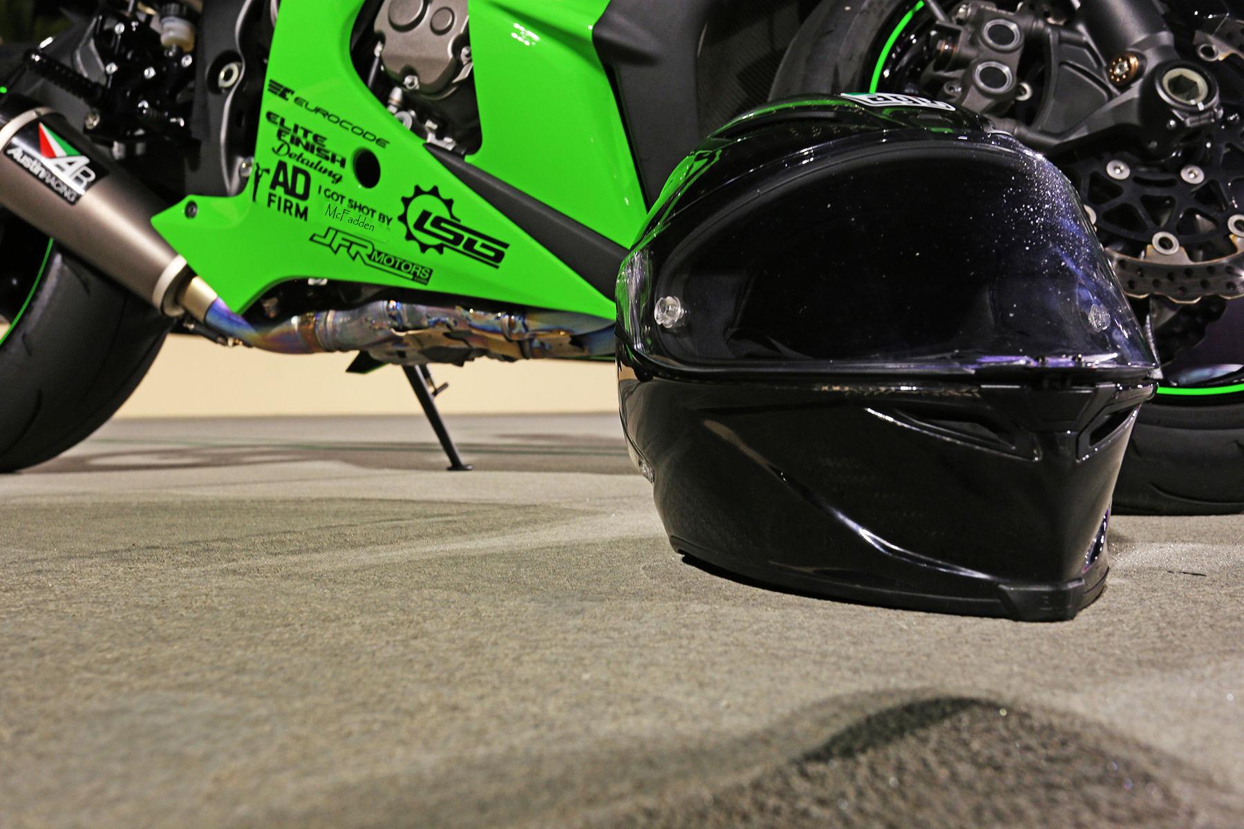 2011 Kawasaki ZX1000KBF NINJA ZX10R | Airstrip Attack 8