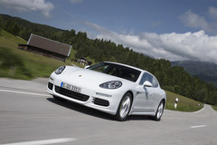 '14 Porsche Panamera S E-Hybrid