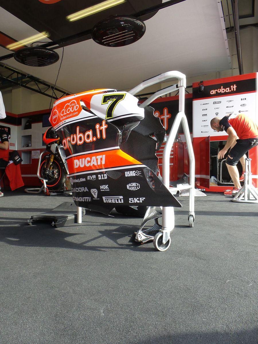 2015 Ducati Panigale R   Chaz Davies's race fairings