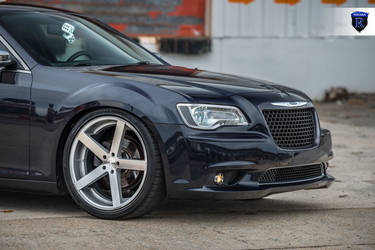 2016 Chrysler 300 | Chrysler 300 - Front Left Wheel