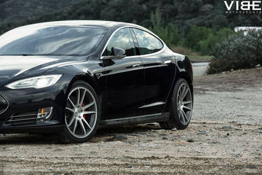 Tesla Model S P85D on Concavo CW-S5 Wheels - Wheel Shot