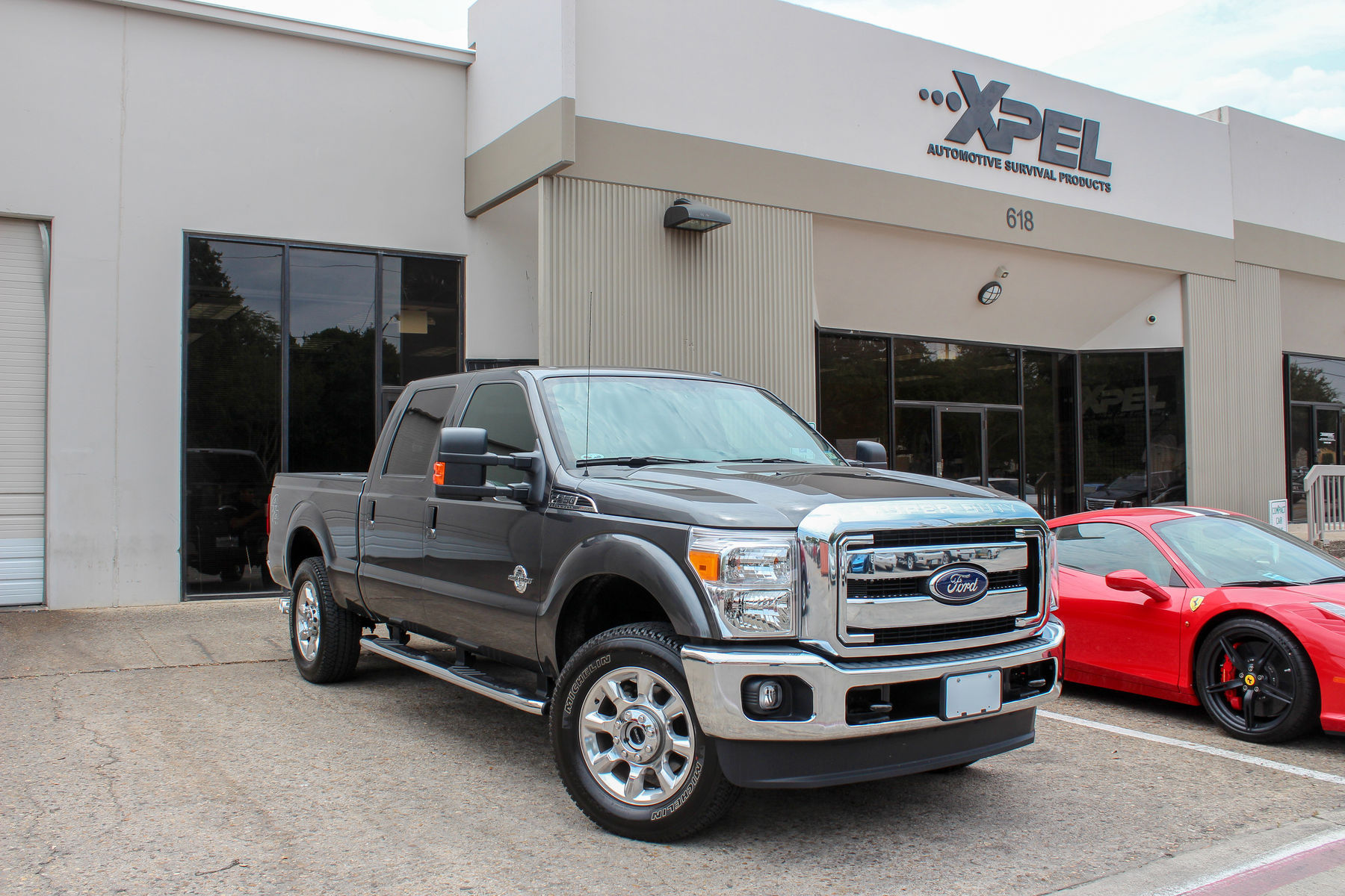 Ford F-350 Super Duty | Ford with XPEL ULTIMATE self-healing clear bra