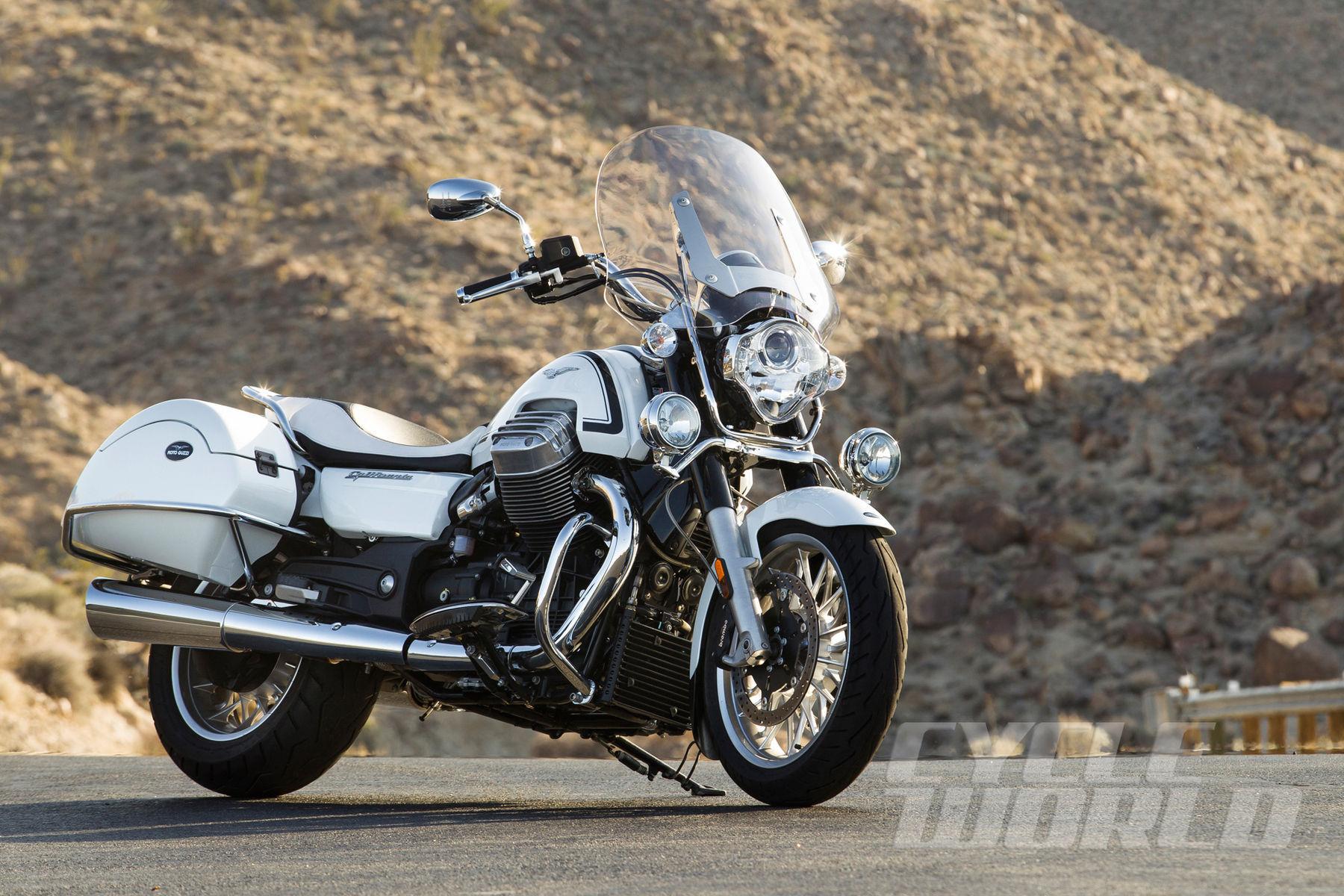 Moto Guzzi  | Honda CTX1300 Deluxe vs. Moto Guzzi California 1400 Touring – Comparison Test