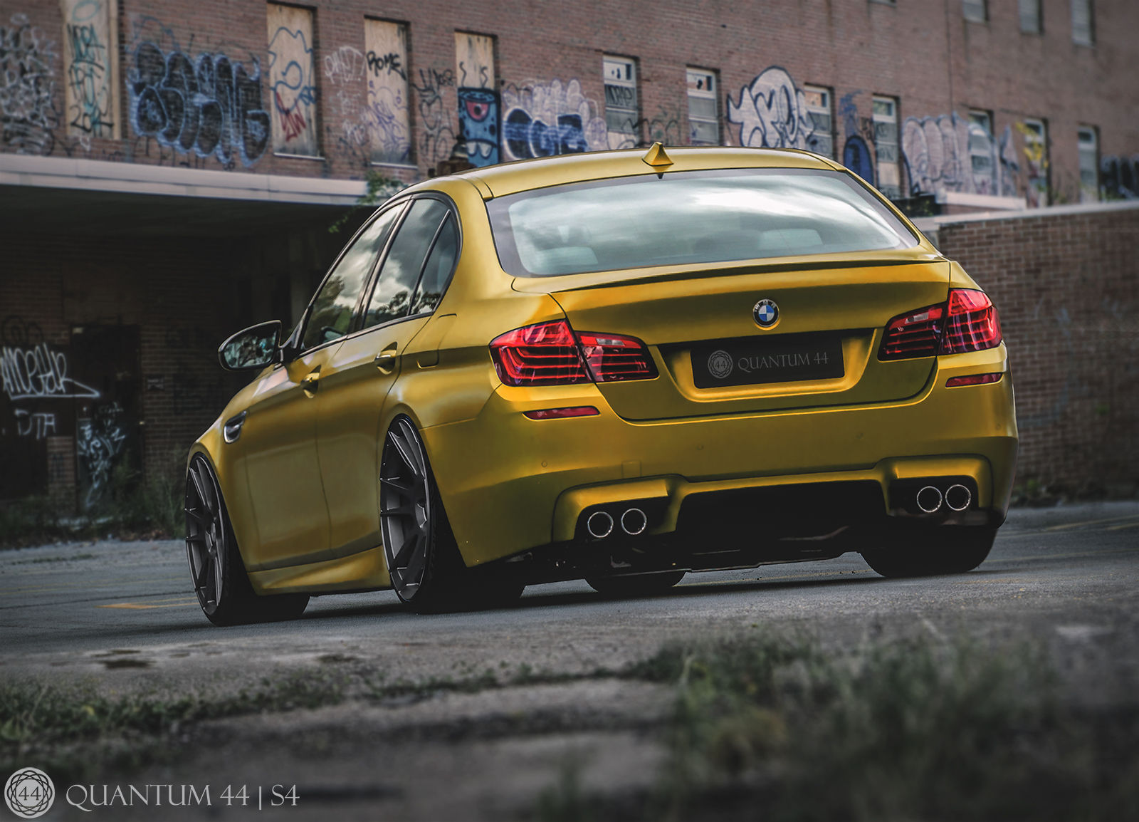 BMW M5   BMW M5 - Quantum44 S4