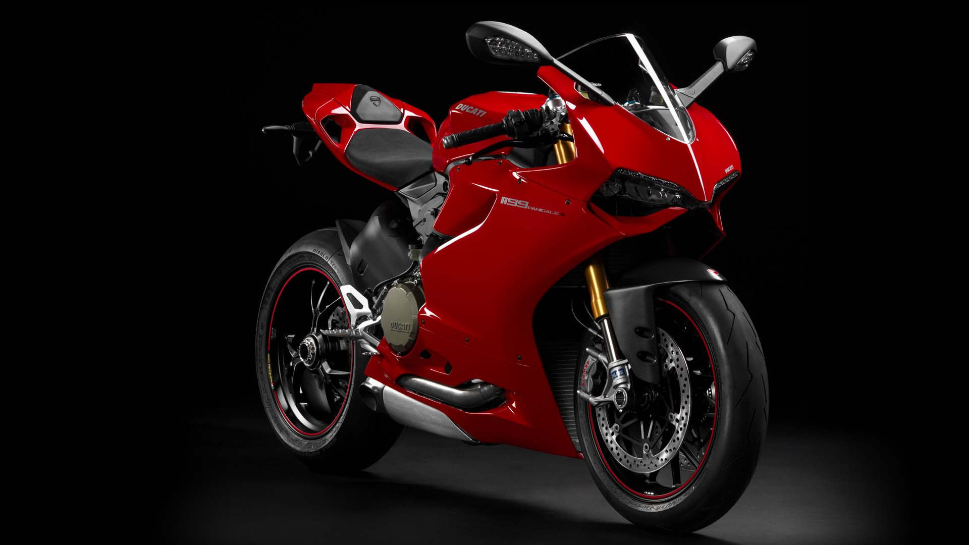2014 Ducati 1199 PANIGALE S | Ducati 1199 Panigale S - Red Model Side