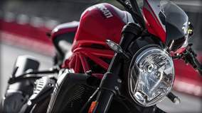 Monster 1200 R - Headlight