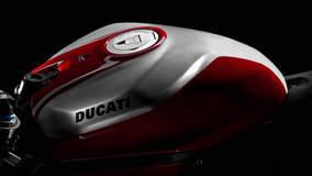 Ducati 1199 Panigale R - Italian Styling
