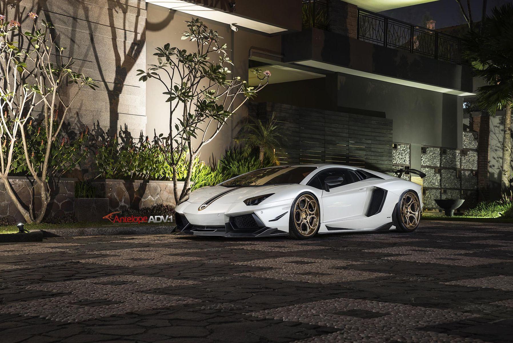 Lamborghini Aventador   Lamborghini Aventador LP700