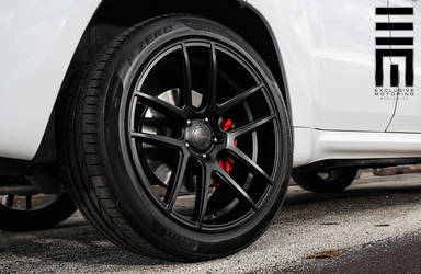 2015 Jeep Grand Cherokee | Jeep Cherokee SRT8 on Velgen Wheels VMB5 - Satin Black Finish