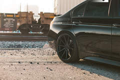 BMW 330i - Rear Right Wheel