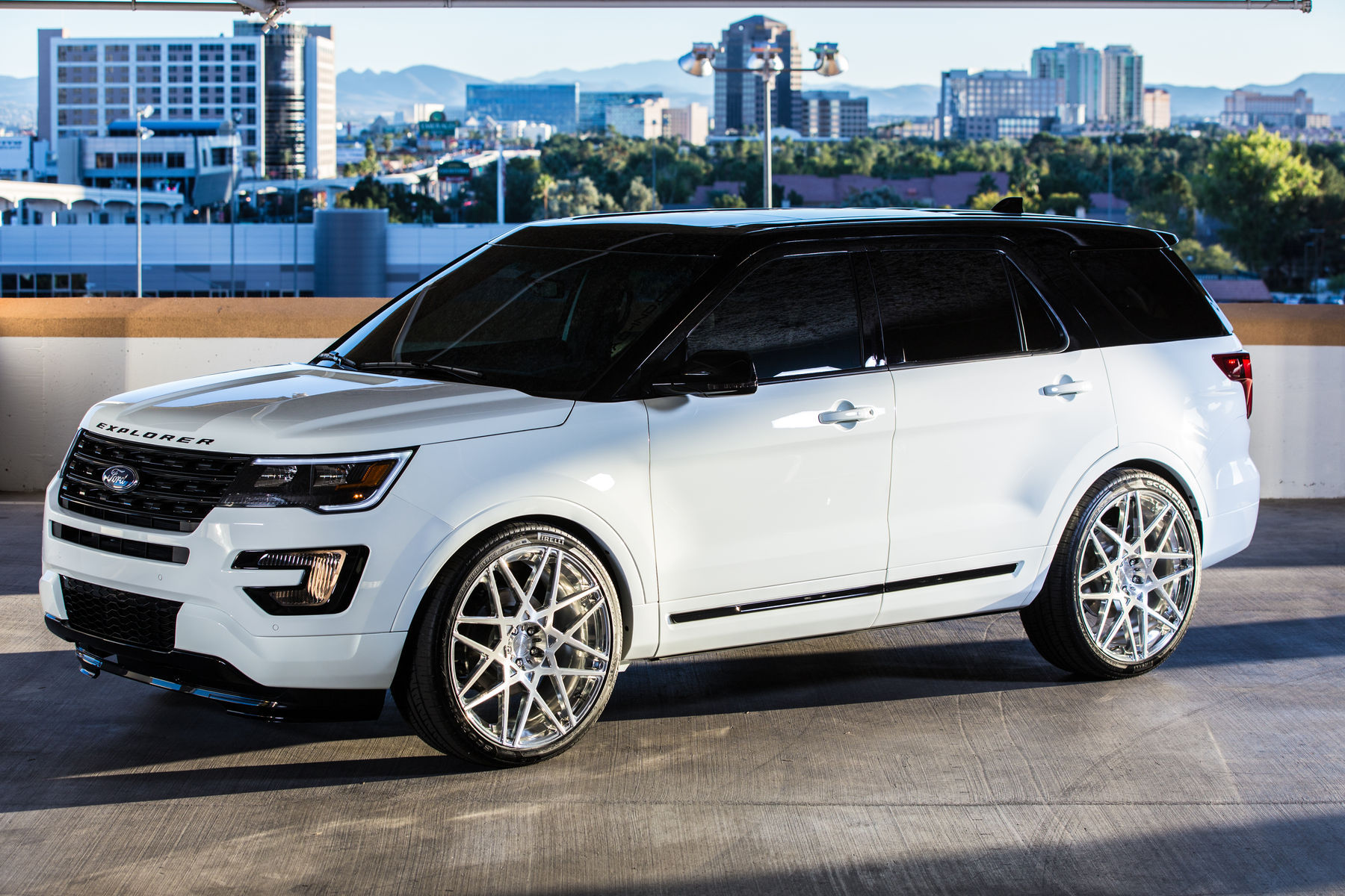 2015 Ford Explorer Sport | 2015 MAD Industries Ford Explorer Sport - Side Profile View