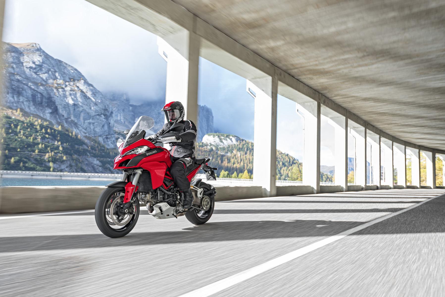 2015 Ducati Multistrada 1200 S | 2015 Multistrada 1200 S - Mountain Views